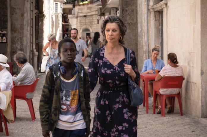 Madame Rosà e Momo per strada