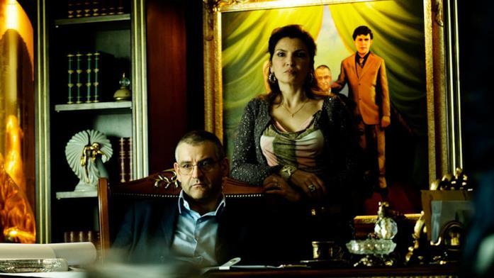 Gomorra: Don Pietro e Donna Imma nella stagione 1
