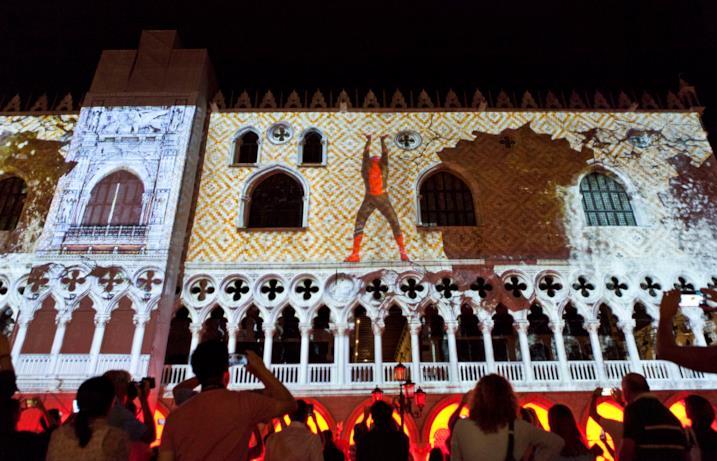 Spidey fa il suo debutto sui muri di Venezia