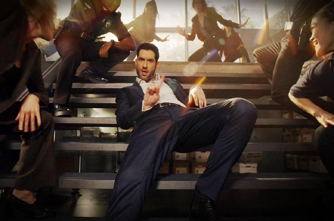 Tom Ellis è il protagonista di Lucifer su Netflix