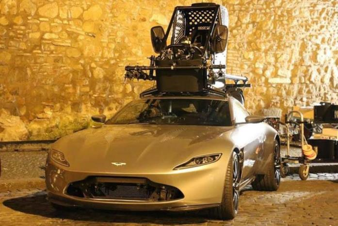 L'Aston Martin DB10 di Spectre