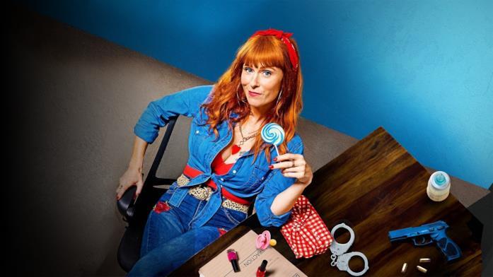 Audrey Fleurot nella locandina della serie TV