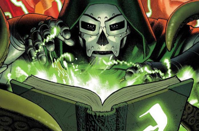 Un'immagine di Doctor Doom con il volume Darkhold