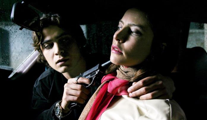 Riccardo Scamarcio in una scena di Romanzo criminale