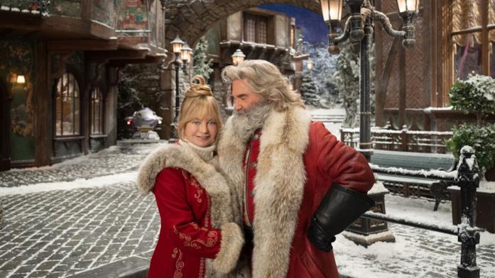 Goldie Hawn (sinistra) e Kurt Russell (destra) in una foto promozionale per Qualcuno salvi il Natale 2
