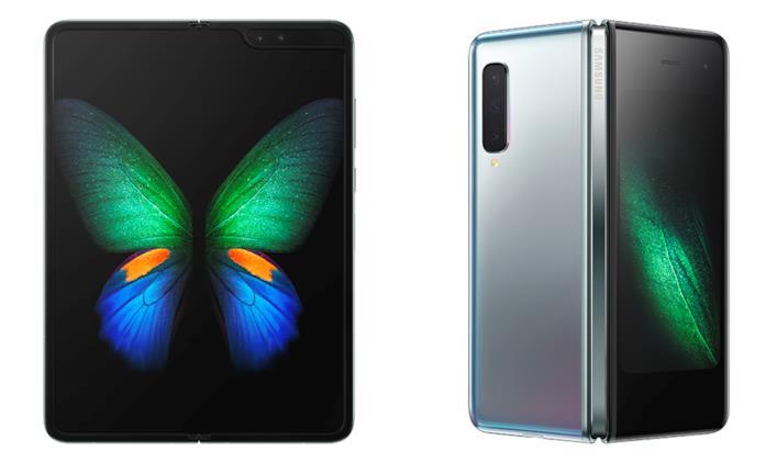 Immagine stampa del Samsung Galaxy Fold (fronte e retro)
