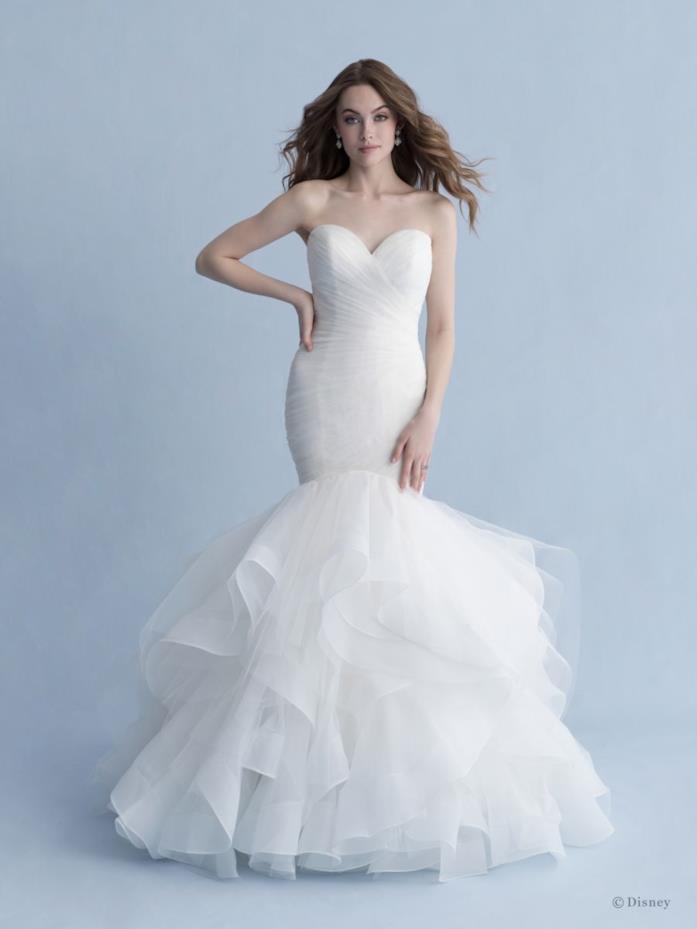 Abito da sposa Allure Bridals dedicato ad Ariel