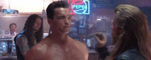 Arnold Schwarzenegger nell'incipit di Terminator 2