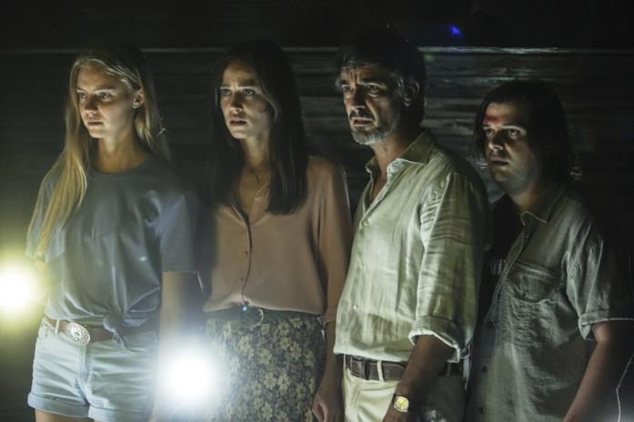 Yuliia Sobol, Matilda Lutz, Peppino Mazzotta e Francesco Russo in una scena del film A Classic Horror Story