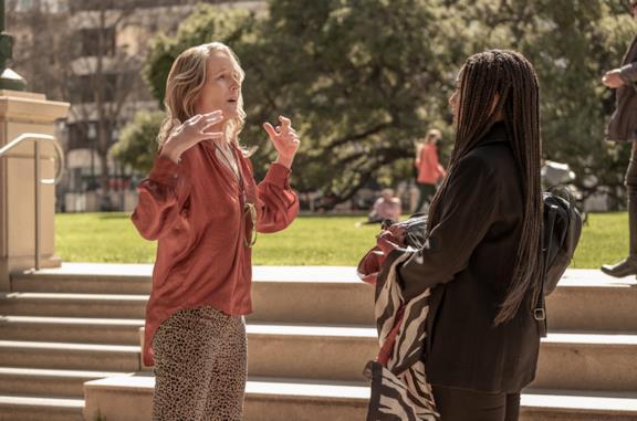 Blindspotting: cosa sappiamo della serie Starz con Helen Hunt
