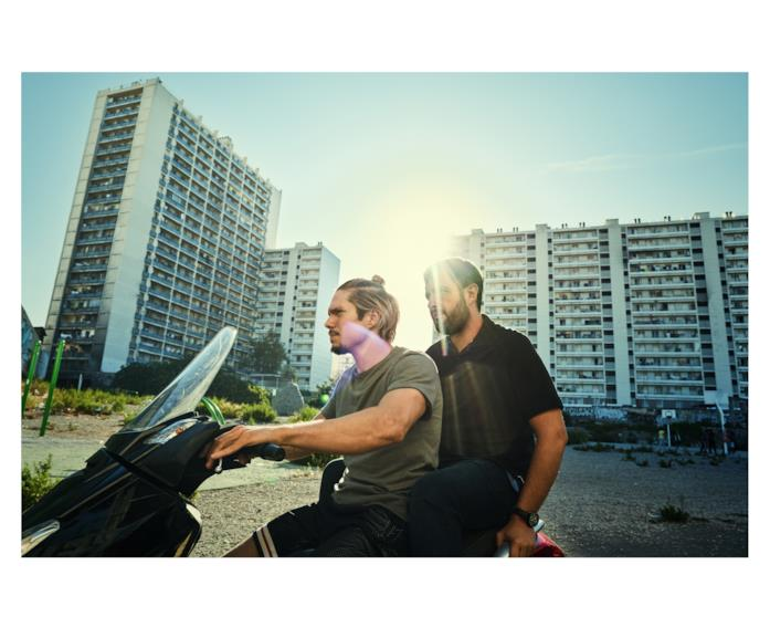 François Civil e Karim Leklou in una scena del film BAC Nord