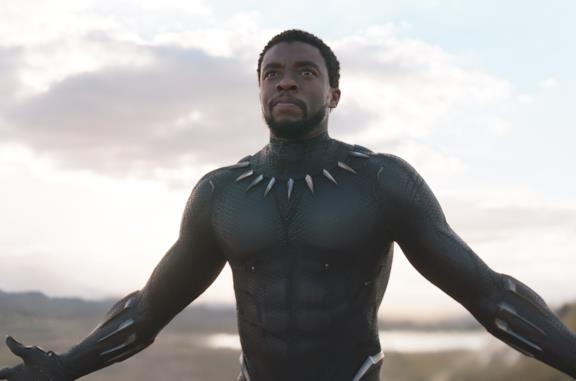 Chadwick Boseman è Black Panther nell'omonimo film del 2018