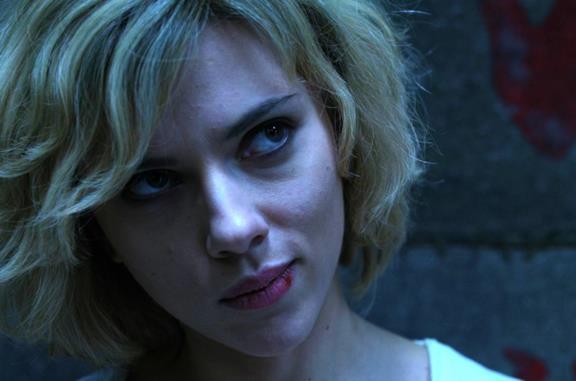 Lucy, l'enzima CPH4 e il mito sull'uso del 10% del cervello tra realtà e film