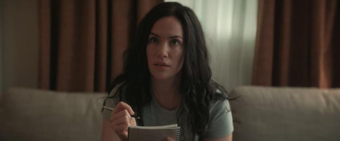 Una scena del film con Kate Siegel