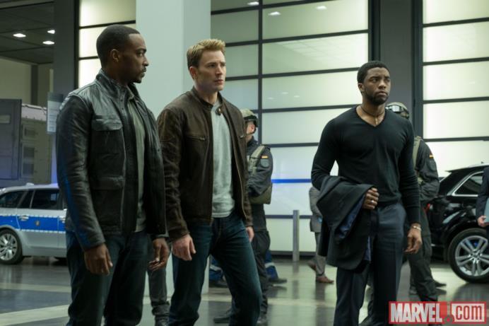Sam Wilson, Steve Rogers e T'Challa in Capitan America: Civil War