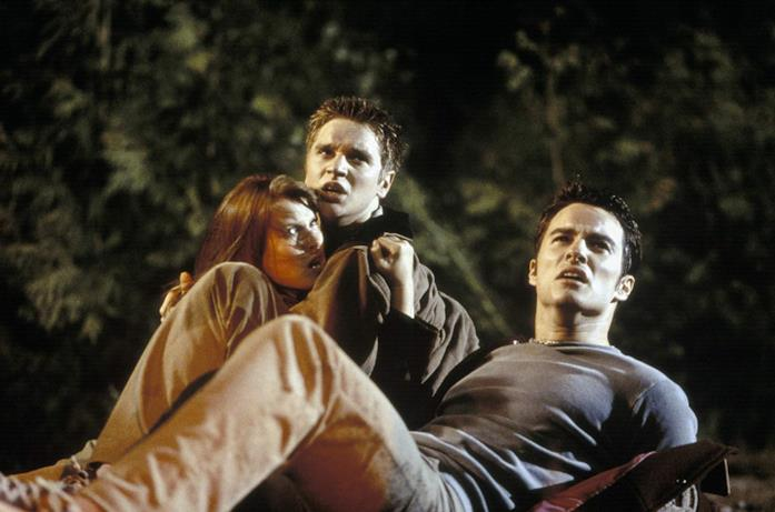 Ali Larter, Devon Sawa e Kerr Smith in una scena del film Final Destination