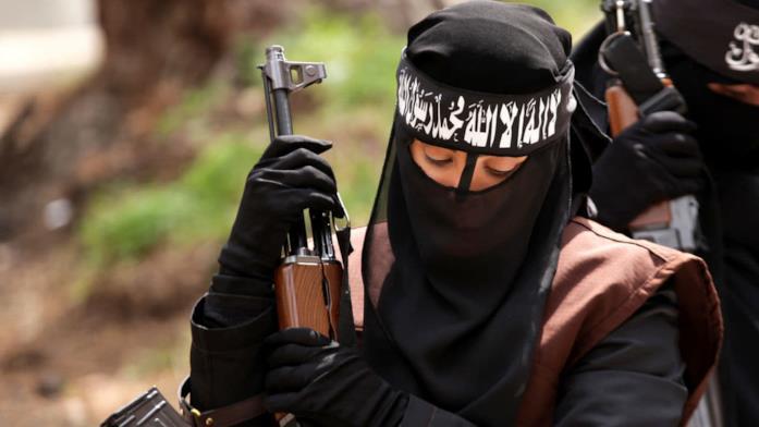 La serie Netflix Corvi neri che racconta le donne dell'ISIS