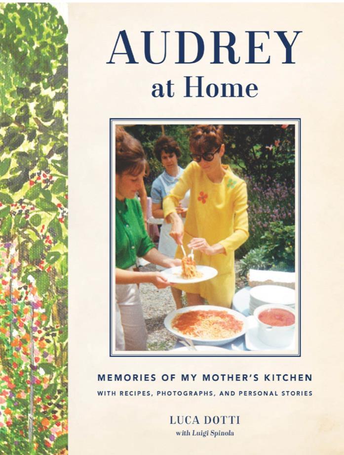 La copertina di Audrey at Home, Memories of My Mother's Kitchen