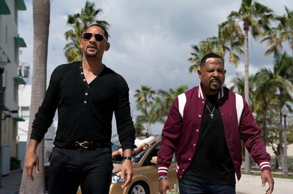 Un'immagine di Will Smith e Martin Lawrence nei panni di Mike Lowrey e Marcus Burnett