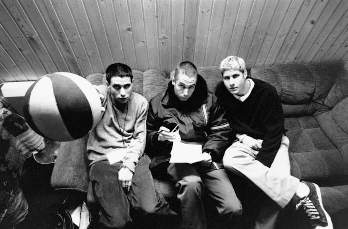 I Beastie Boys nel retrocopertina dell'album Check Your Head