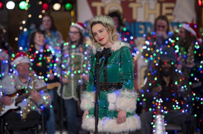 Emilia Clarke in una scena del film Last Christmas