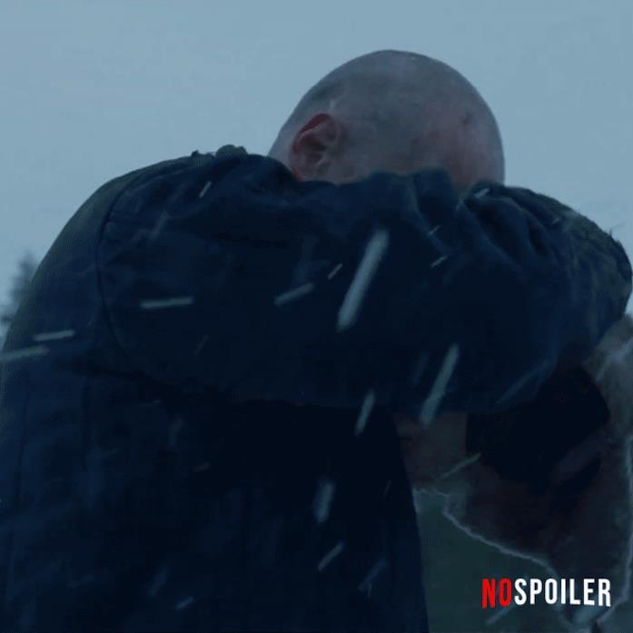 Hopper ha un look piuttosto diverso nella quarta stagione