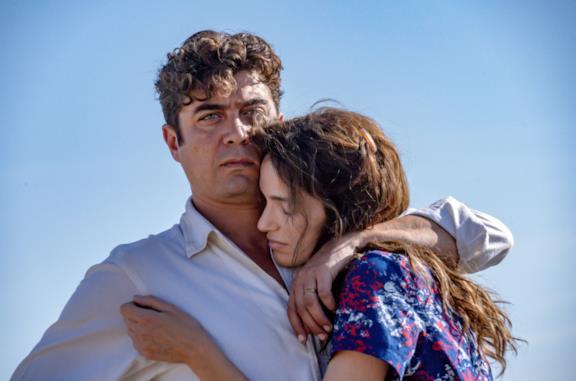L'ultimo paradiso, cosa funziona (e cosa no) nella collaborazione tra Mediaset e Netflix
