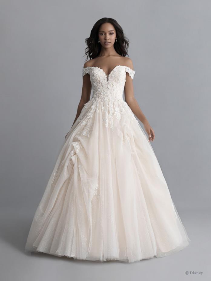 Abito sposa Allure Bridals dedicato a Belle
