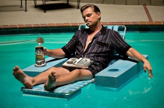 Leonardo DiCaprio in una scena del film C'era una volta a... Hollywood