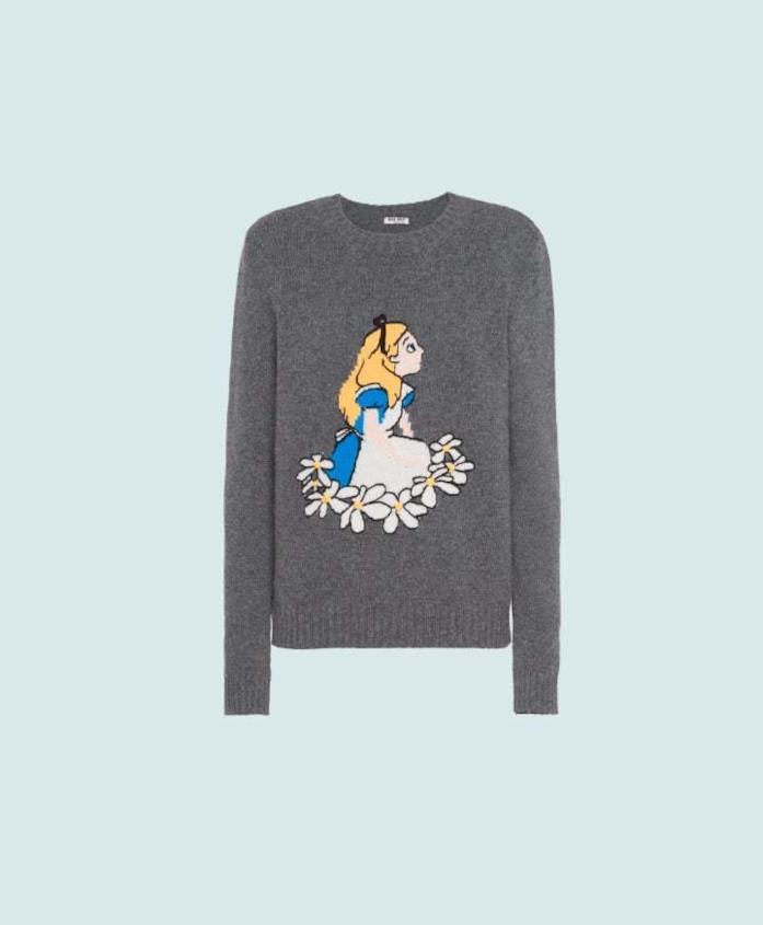 Maglione della capsule natalizia Disney x Miu Miu con Alice