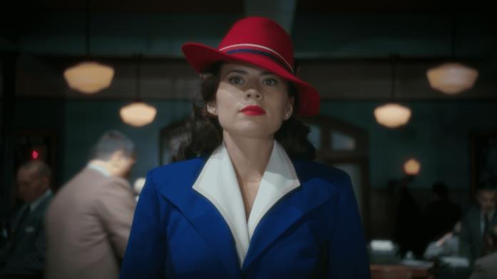 Agent Carter con il vestito blu
