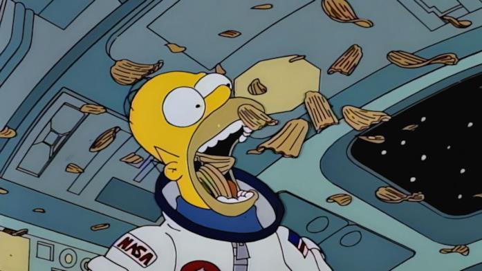 Homer e le sue patatine nello spazio
