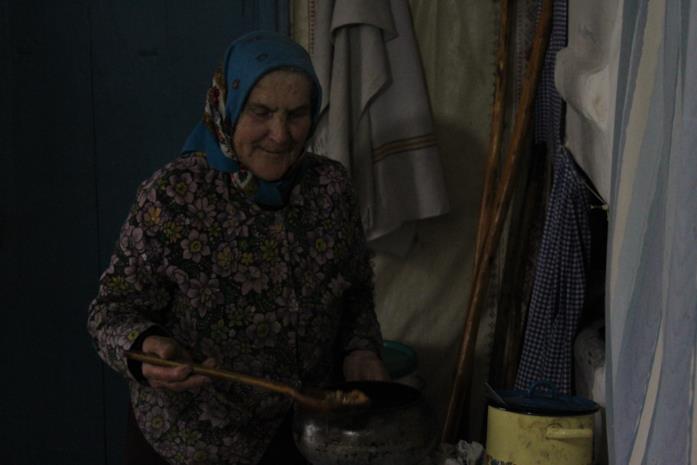 """Una delle """"nonne"""" di Samosely - I residenti illegali di Chernobyl"""