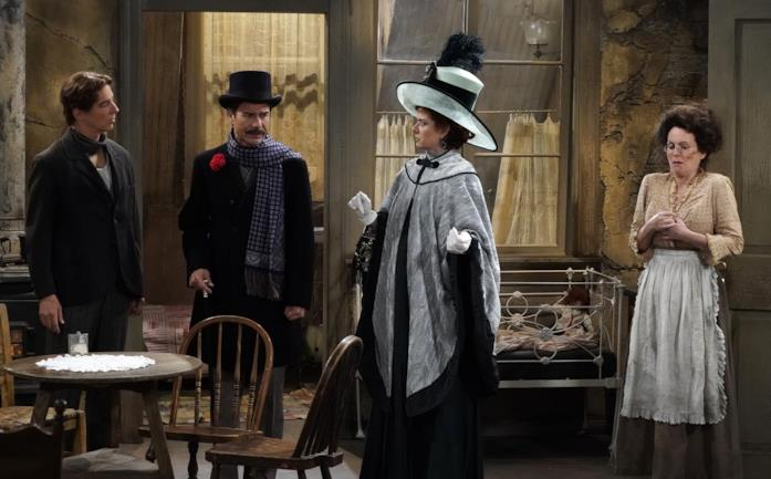 Il cast di Will & Grace in costume in una scena