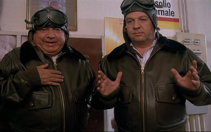 Paolo Villaggio e Renato Pozzetto in una scena del film