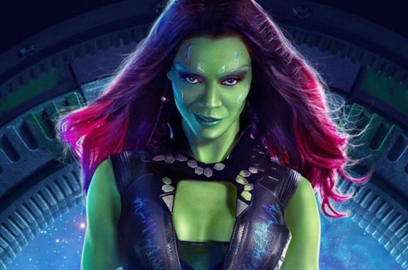 Un primo piano di Zoe Saldana nei panni di Gamora