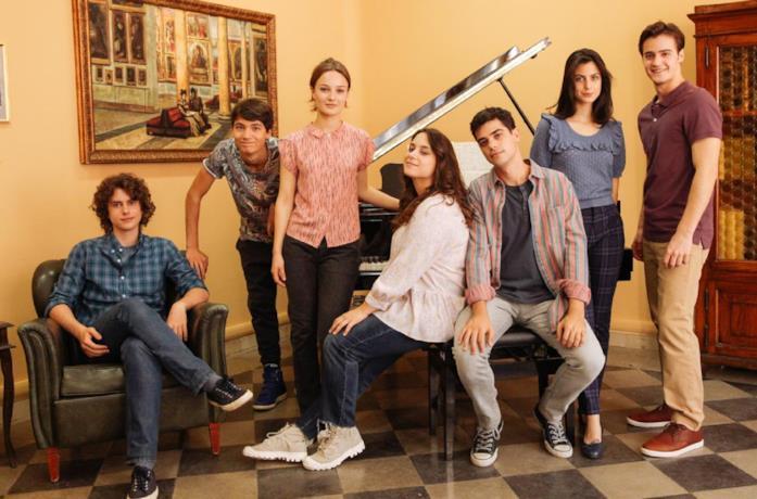 Il cast de La Compagnia del Cigno 2