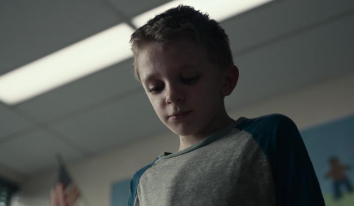 Jeremy T. Thomas in una scena del film Antlers