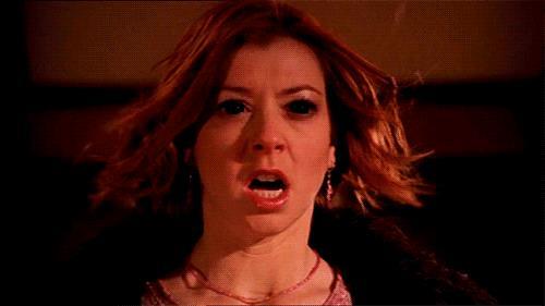 Alyson Hannigan è Willow in una scena di Buffy l'Ammazzavampiri