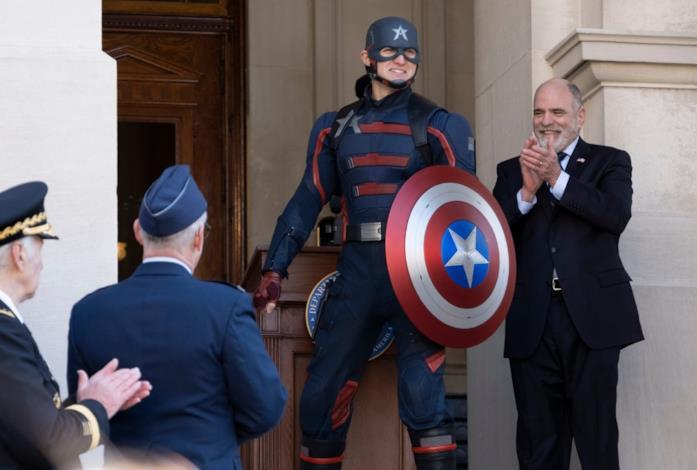 Il nuovo Captain America viene presentato al mondo