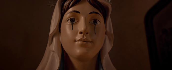 Una scena del film Il sacro male