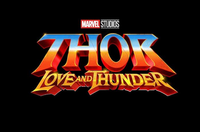 Il poster del film Thor: Love and Thunder
