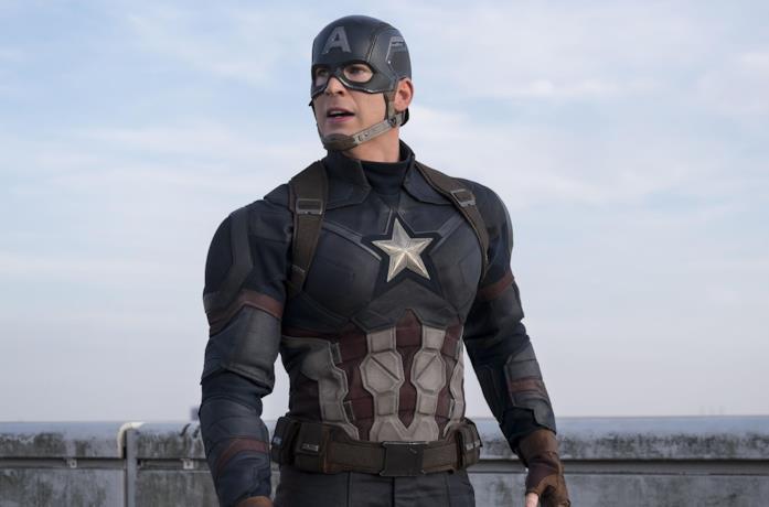 Chris Evans nei panni di Capitan America