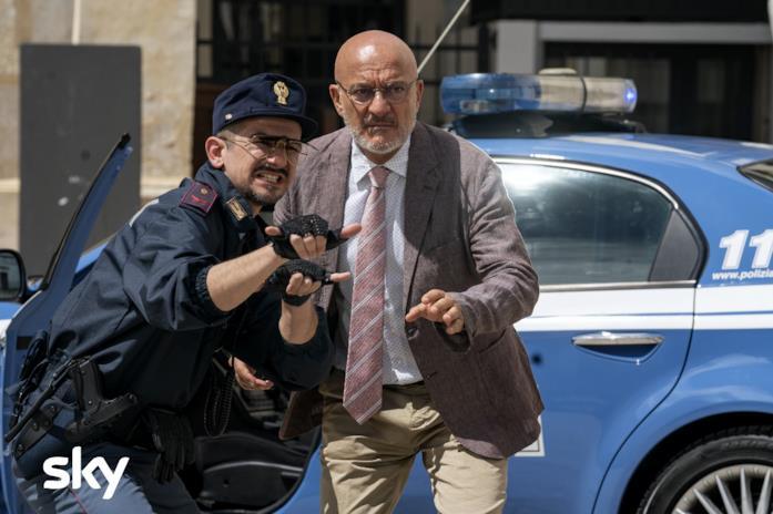 Mandelli e Bisio in una scena di Cops