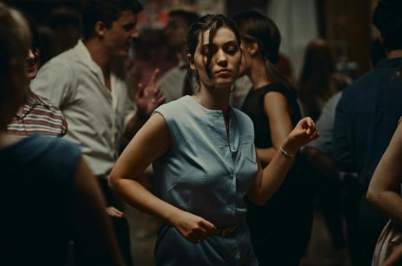 L'Événement, la recensione del controverso film che ha vinto il Leone d'Oro a Venezia 78