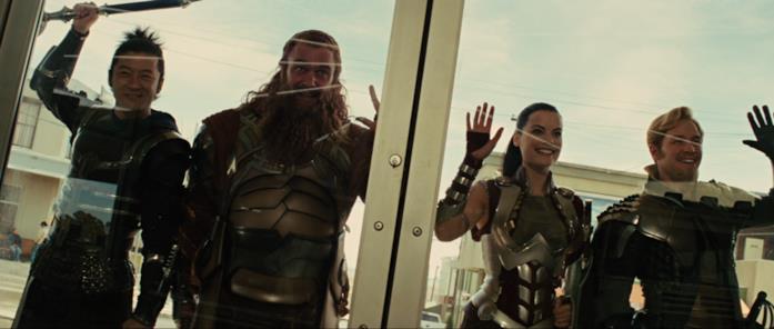 Lady Sif e i Tre Guerrieri salutano Thor