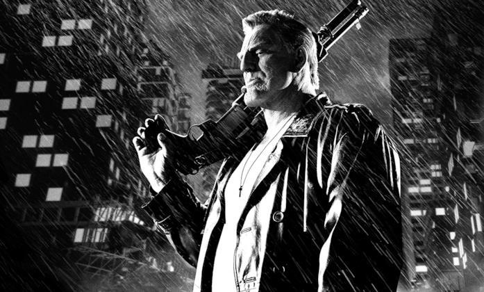 Mickey Rourke in una scena del film Sin City - Una donna per cui uccidere