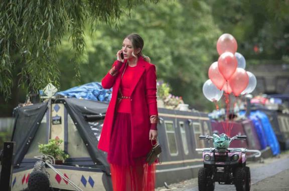 Katherine in una scena di The Duchess su Netflix