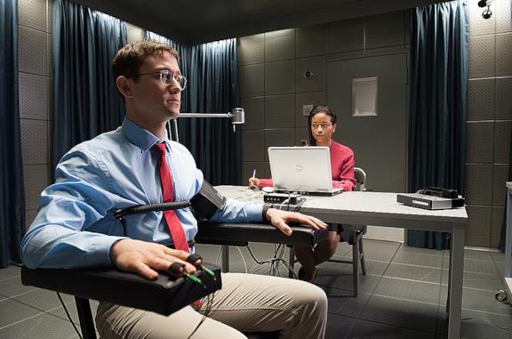 Snowden: trama e 10 cose da sapere sul film di Oliver Stone con Joseph Gordon-Levitt