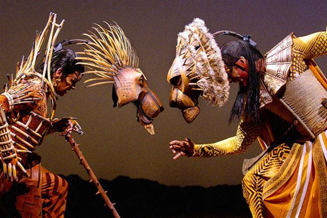 Un'immagine con due dei protagonisti del musical de Il Re Leone